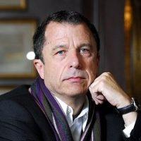 30.06.09  Entrevista de la revista Que Pasa a Sebastian Edwards, Economista y escritor.  Foto:Nadia Perez/